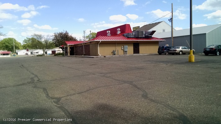 Forest Lake Retail Building for Sale | MN | Lake Street
