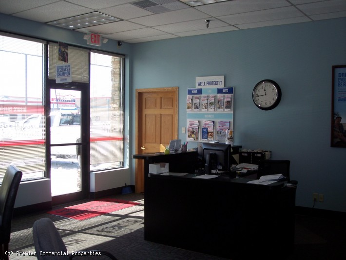 Office/Retail Space | For Sub Lease | Spring Lake Park